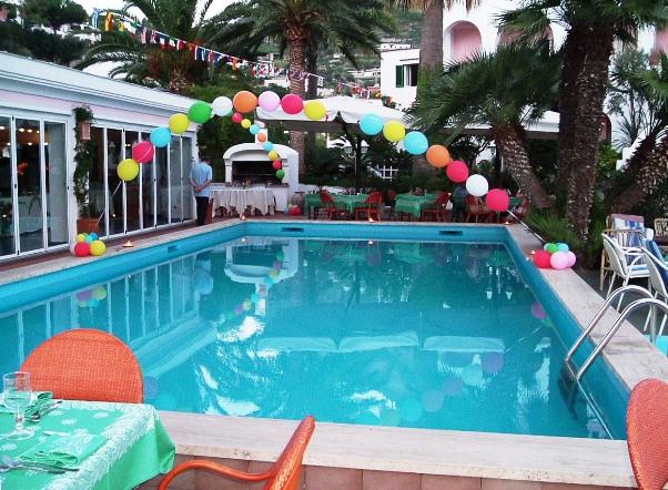 hai una piscina allora festa i giochi per una festa